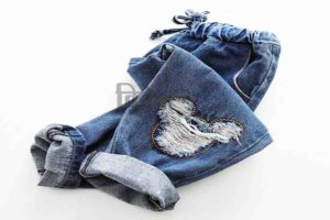 आधुनिक फैशन  फूहड़ता का फ्यूजन