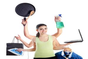 कामकाजी औरतें :एक तार पर  दोहरी कसरत