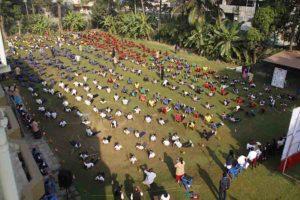 छात्र – छात्राओं ने किया २५००० सूर्यनमस्कार