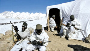 चीन के साथ लदाख मे ठंडे मौसम में लढ्ने के लिए भारतीय सेना पूरी तरह से तैयार.लेकिन चीनी सेना तैयार नही?