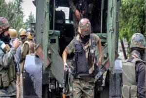 जम्मू – कश्मीर: कुलगाम में सेना ने मार गिराए 2 आतंकवादी
