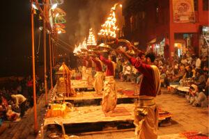 उत्तर प्रदेश पर्यटन: योगी सरकार की नई नीति, होटल की जगह घर में रुकेंगे पर्यटक