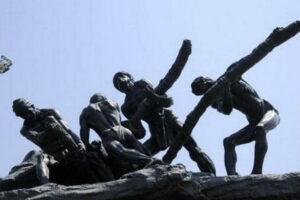 विश्व मजदूर दिवस: मजदूरों के हक और हिम्मत की लड़ाई