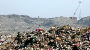 कोरोना से भी खतरनाक हो सकता है कचरा!